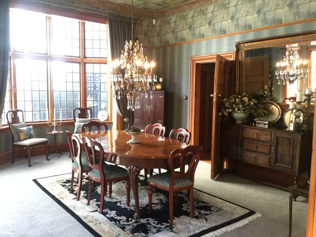 Thorndon, Wellington Interior Design Consultation - 19th century villa, with traditional dining and antique furniture.