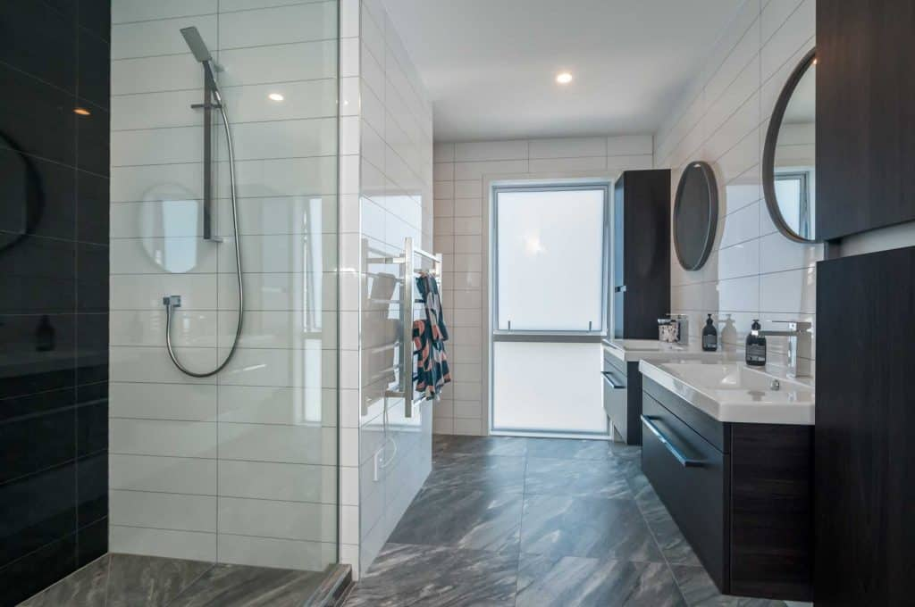 Whitby / Silverwood new home - Fully tiled, black and white bathroom